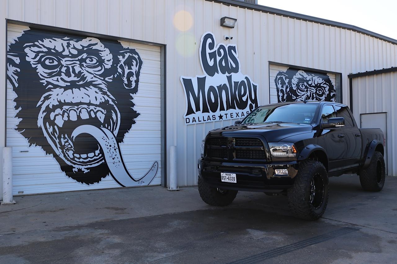 Ворота гаража Gas Monkey